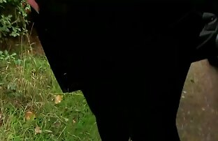 CFNM POV pipe avec chatte upskirt jette un coup d'oeil et se termine en facial film de pournou